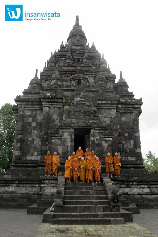 biksu candi sojiwan