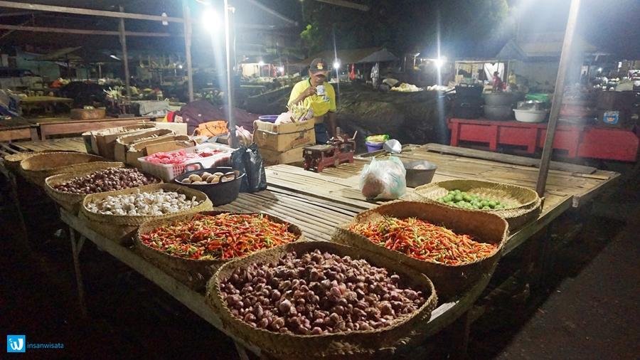 pasar banyuasri tengah malam