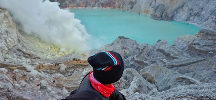 Si Api Biru, Bima Sakti, dan Penambang Super di Gunung Ijen