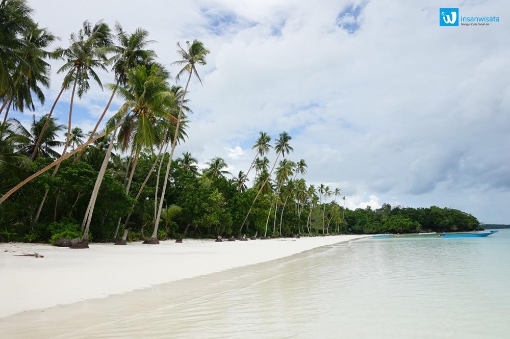 pasir panjang pulau kei
