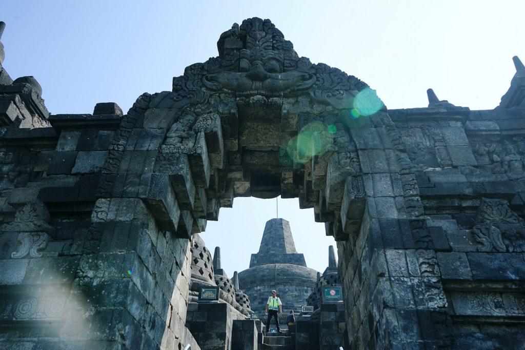 Stupa tertinggi Borobudur