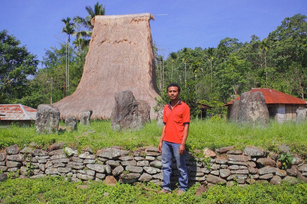 Kampung Adat Woloara